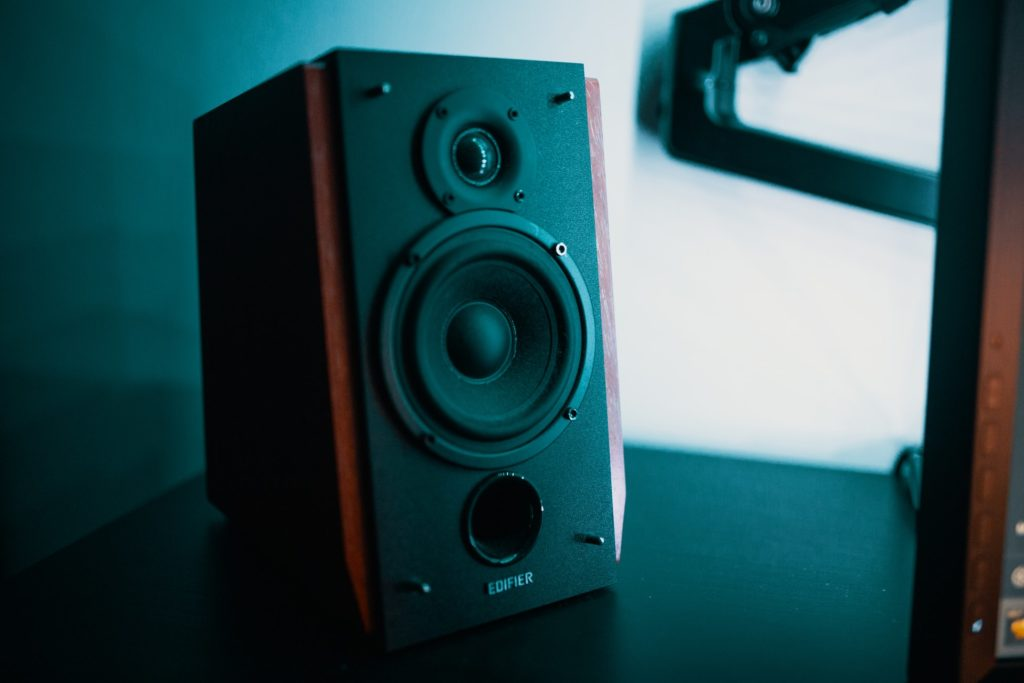 best bookshelf speakers under $100